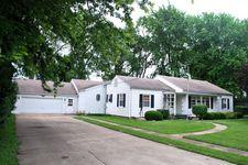 202 S Pine St, Gardner, IL 60424