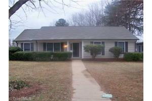 1410 Rotherwood Rd, Greensboro, NC 27406