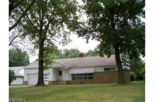149 Brush Rd, Richmond Heights, OH 44143
