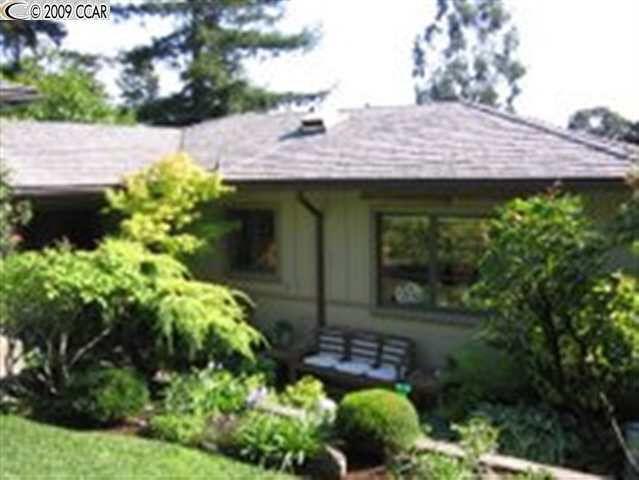6974 Saroni Dr, Oakland, CA 94611 - realtor.com®