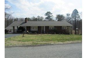 780 Givens Tyler Rd, Salem, VA 24153