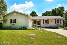 610 Kelley Dr, Heyworth, IL 61745
