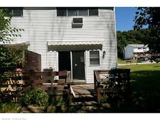 123 Woodland Dr Apt D, Montville, CT 06382