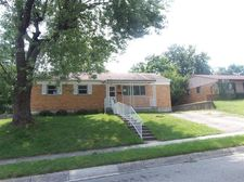 110 W Routzong Dr, Fairborn, OH 45324