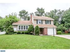 748 Carter Hill Dr, West Deptford, NJ 08066
