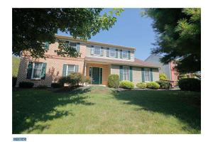 3509 Country Club Rd, Allentown, PA 18103