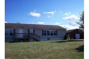 34195 Law Rd, Grafton, OH 44044