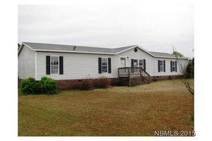 1661 Colonial Colony Blvd, Kinston, NC 28504