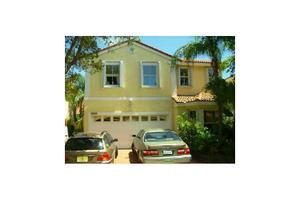 1115 Queen Palm Ct, Hollywood, FL 33019