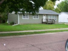 416 E 14th Ave, Mitchell, SD 57301