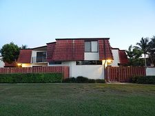 3779 Victoria Dr, West Palm Beach, FL 33406