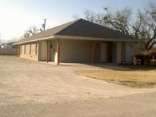 136 Nolan St Unit B, Tye, TX 79563