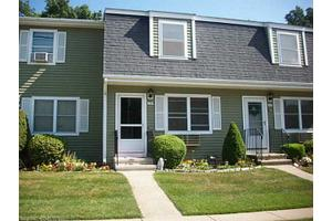 244 Brentwood Dr, Wallingford, CT 06492