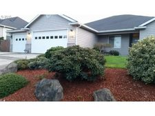 178 Cypress Ct, Winchester, OR 97495