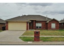 313 Sw 40th St, Moore, OK 73160