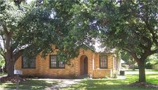 204 E Stockbridge St, Eagle Lake, TX 77434