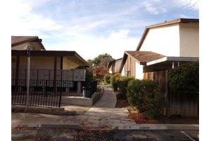 4767 N Cedar Ave, Fresno, CA 93726