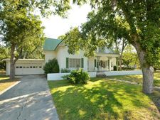 109 Bowie St, Martindale, TX 78655