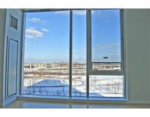 2 Earhart St Unit 617, Cambridge, MA 02141