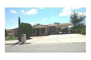 8644 Arboleda Dr, El Paso, TX 79907