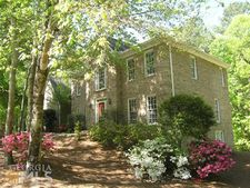 13 Old Mountain Dr, Powder Springs, GA 30127