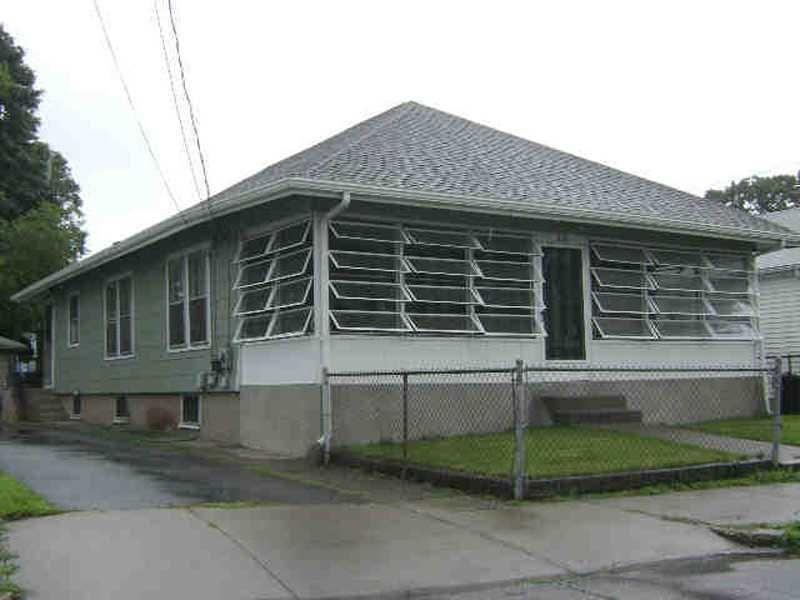 324 Orient Ave Pawtucket, RI 02861