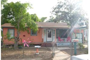 715 W Wilson Ave, Aransas Pass, TX 78336