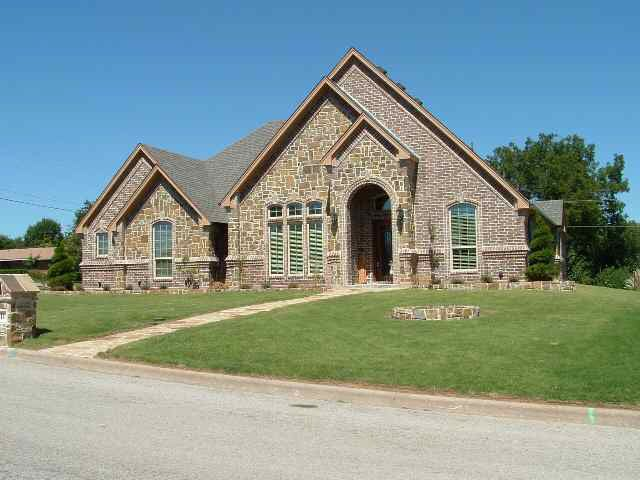 811 garlington st bowie tx 76230 for Garlington homes