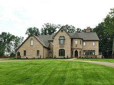 2167 S Villa Dr, Hampton, PA 15044