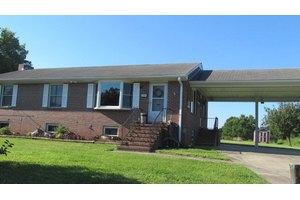 791 Palmer Point Rd, Boydton, VA 23917