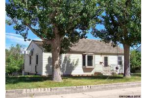 403 S 10th St, Thermopolis, WY 82443