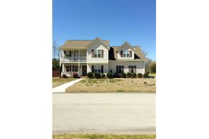305 Rock Creek Dr S, Jacksonville, NC 28540