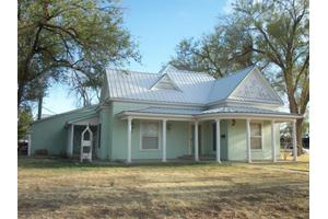 1102 9th Ave, Canyon, TX 79015