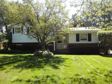 957 Brookside Ln, Deerfield, IL 60015