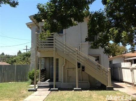 407-409 S Laurel St Stockton, CA 95205