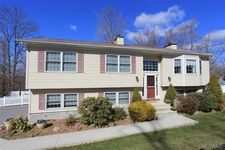 3255 Mohegan Ave, Mohegan Lake, NY 10547