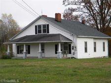 755 Stony Knoll Rd, Dobson, NC 27017