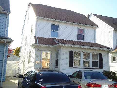 92-12 216th St Queens Village, NY 11428