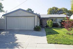 82 Fairway St, Hayward, CA 94544