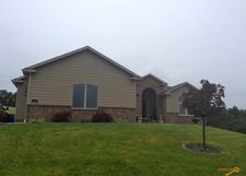668 Middle Valley Dr, Rapid City, SD 57701