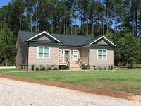 124 Bridgewater Ct, Macon, NC 27551