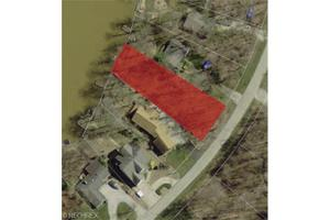 2312 Morning Star Dr, Roaming Shores, OH 44084