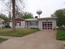 460 8th St Nw, Valley City, ND 58072