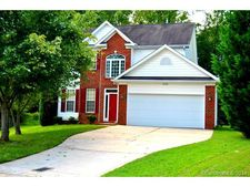 13228 Crooked Pine Ct, Charlotte, NC 28215