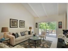 255 S Rengstorff Ave Apt 98, Mountain View, CA 94040