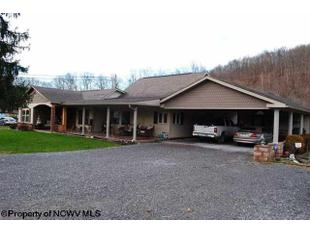 506 Williamson Ave, Belington, WV