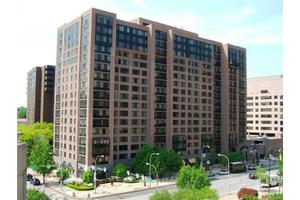 4 Martine Ave Apt 820, White Plains, NY 10606