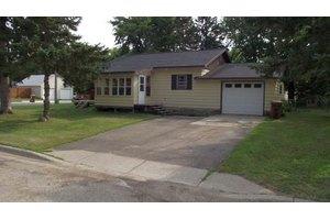 118 Pine Ave E, Frazee, MN 56544