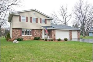 383 Vista View Dr, Grafton, WI 53012