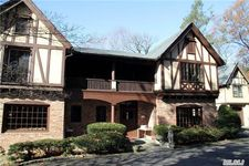 105 Cove Neck Rd, Oyster Bay, NY 11771